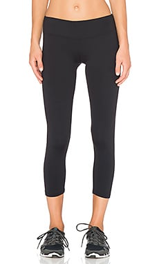 Nova Performance Capri Pant in Black