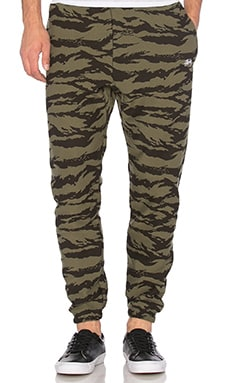 Stussy Stock Fleece Pants in Camo