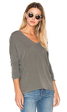 V Neck Long Sleeve Tee in Fern