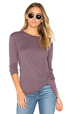 Long Sleeve Twist Tee in Nightshade