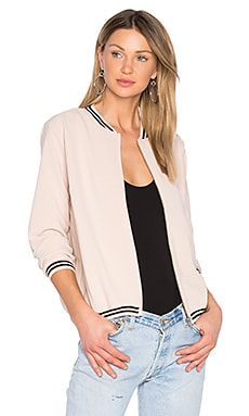 Game Set Bomber en Nude