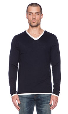 Scotch & Soda Classic Cotton V-Neck Pull with Inner Tee in Night
