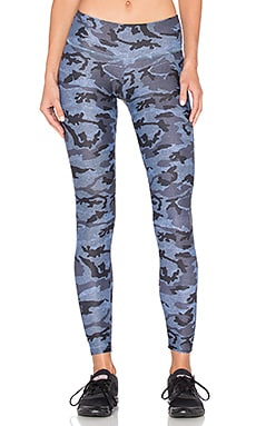 STRUT-THIS The Teagan Legging en Denim Camouflage