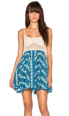 Surf Gypsy Tie Dye Print Crochet Top Swing Dress in Blue Arrow