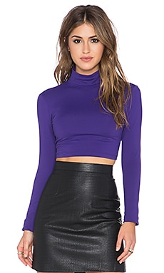 Susana Monaco Turtleneck Crop Top en Figue