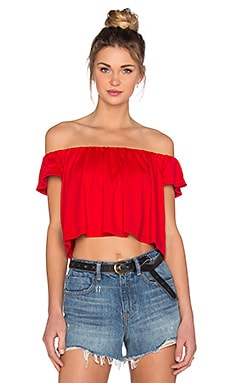 Susana Monaco Off the Shoulder Crop Top en Rouge Parfait