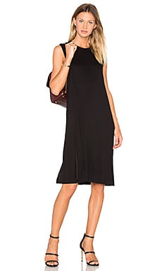 Classic Crew Neck Dress in Schwarz