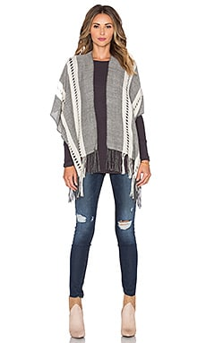 Tejido Herringbone Pierced Poncho in Grey & White