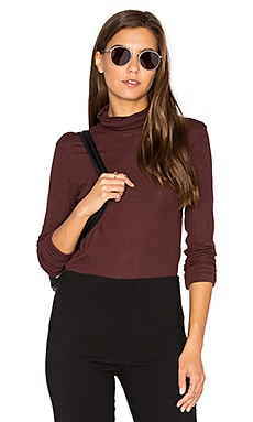 Eliezer Ribbed Turtleneck in Garnet