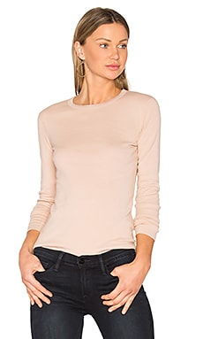 Long Sleeve Crewneck Tee en Soft Camel