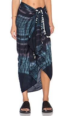 Tiare Hawaii Sarong in Wave Midnight