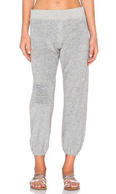 TYLER JACOBS Alo Sweatpant in Heather Grey