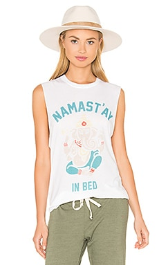 NAMASTAY IN BED Tシャツ