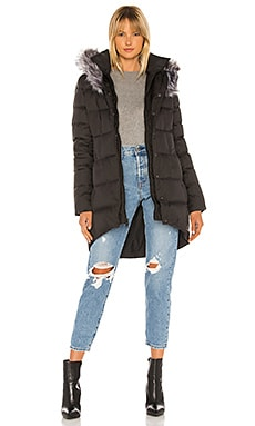 Dealio Down Parkina With Faux Fur Trim The North Face $299