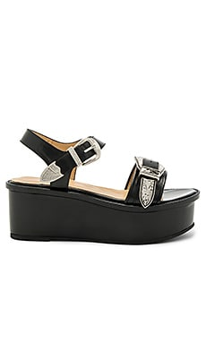 Buckle Platform in Black Polido