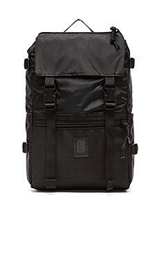 TOPO DESIGNS Rover Pack in Ballistic Black
