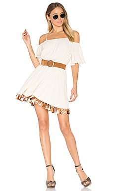 x REVOLVE Fiesta Mini in Creme