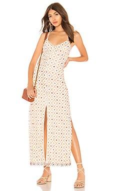 Фото - Макси платье на пуговицвх linda - Tularosa кремового цвета