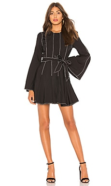 Фото - Мини платье с завязкой на талии nicole - Tularosa цвет black & white