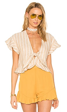 x REVOLVE Winnie Blouse en Natural Stripe Linen