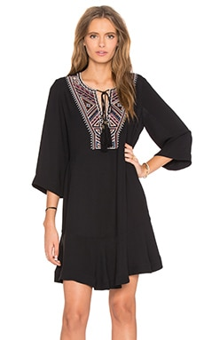Bell Sleeve Embroidered Dress en Noir