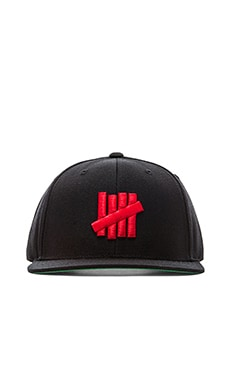 Undefeated 5 Strike Snapback in Black Red