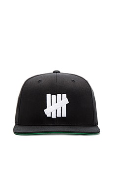 Undefeated 5 Strike SU16 Snapback in Black