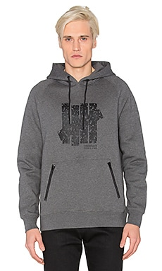 Undefeated 5 Strike Tech Pullover Hood in Charcoal