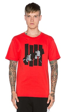 Undefeated Captive Tee in Red
