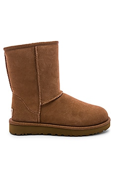 Classic Short II Boot UGG $160 BEST SELLER