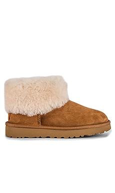 CLASSIC MINI FLUFF 靴子 UGG $150