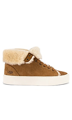 SNEAKERS BEVEN UGG $150 BEST SELLER