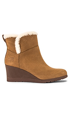 Devorah Boot UGG $104