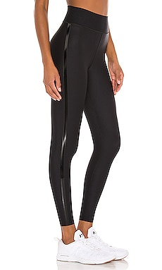 Essential Ultra High Legging ultracor $188 MÁS VENDIDO