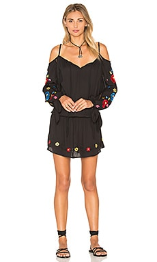 Kamari Open Shoulder Dress en Noir