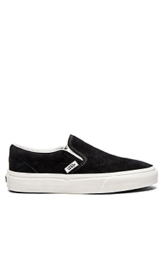 Vans Classic Slip On Sneaker in Black