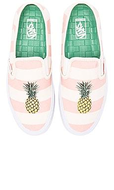 Vans Slip On SF Sneaker in Pale Pink & Pineapple