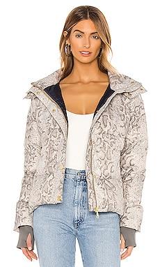 Highland Puffer Jacket Varley $120