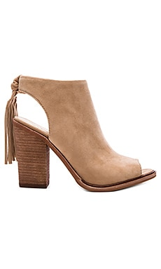 Kyleena Booties en Sandy Lane