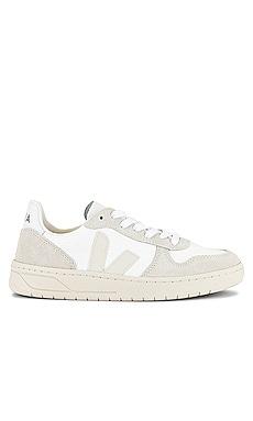 V-10 Sneaker Veja $140