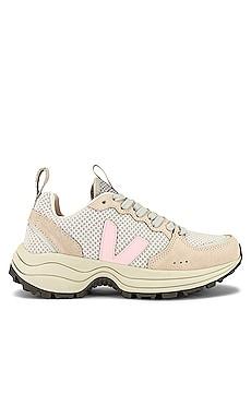 Venturi Sneaker Veja $160