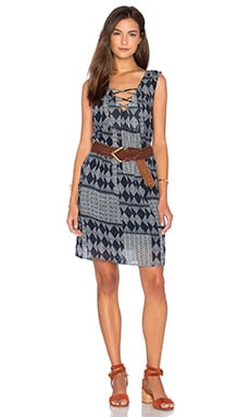 Velvet by Graham & Spencer Sarita Mali Gauze Print Shift Dress in Navy