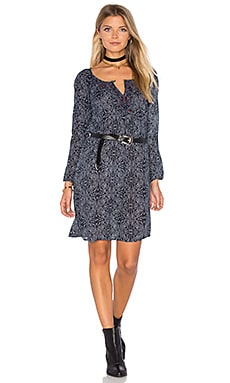 Yani Long Sleeve Shift Dress in Navy