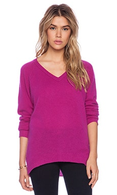 Velvet by Graham & Spencer Yoshi Cashmere Classic Sweater in Amethyst