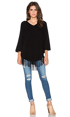 Velvet by Graham & Spencer Trinity Cashmere Classic Poncho in Black