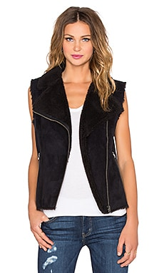 Velvet by Graham & Spencer Anila Sherpa Moto Vest in Black