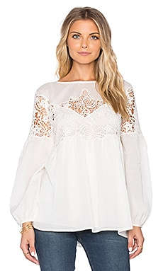 Velvet by Graham & Spencer Ambrosine Audrey Lace Lone Sleeve Top in Cream