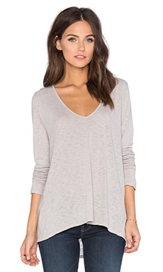 Sookie Lux Slub V-Neck Long Sleeve Top in Buckwheat