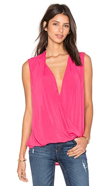 Georgina Rayon Challis Cross Front Sleveless Top en Candy