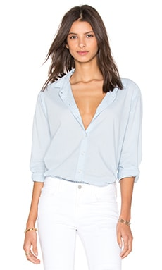 Minnie Cotton Shirting Button Down Top en Larkspur